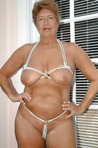 very hot and sexy amateur mature babes
